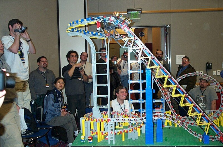 awww.brickshelf.com_gallery_RoscoHead_displays_brickfest2004_coaster_dcp_1919.jpg