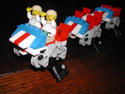 awww.brickshelf.com_gallery_Chrispy_RollerCoasterProto_01coaster.jpg