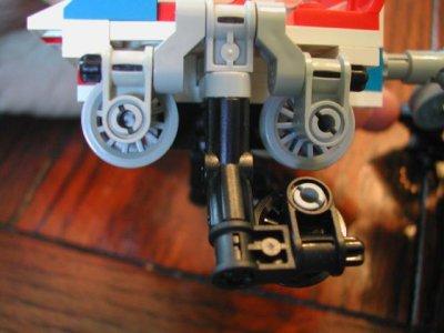 awww.brickshelf.com_gallery_Chrispy_RollerCoasterProto_02coaster.jpg