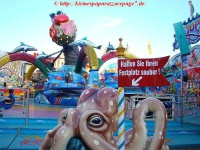 ai275.photobucket.com_albums_jj289_ThunderNrw_Octopussy_oct44.jpg