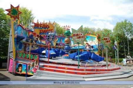 ai699.photobucket.com_albums_vv360_oktober_fest_2009_geilenkichen_bouw_deel_205_DSC_0004.jpg