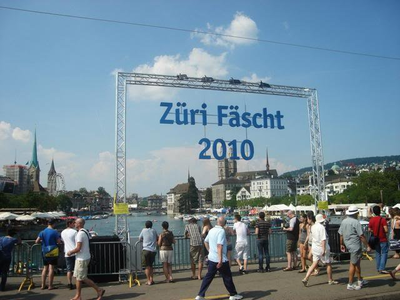 ai820.photobucket.com_albums_zz122_borisjaeggi_Zuerichfescht_K640_040.jpg