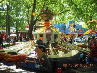 ai820.photobucket.com_albums_zz122_borisjaeggi_Kirmes_20Schweiz_20Diverse_K640_236.jpg