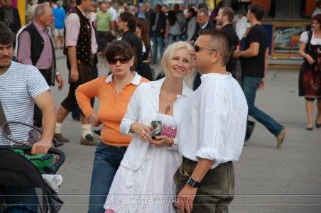 ai699.photobucket.com_albums_vv360_oktober_fest_2009_dag1_20deel_201_81.jpg