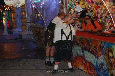 ai699.photobucket.com_albums_vv360_oktober_fest_2009_dag_201_20deel_202_43.jpg