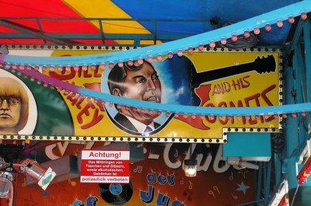 ai52.tinypic.com_3311w90.jpg