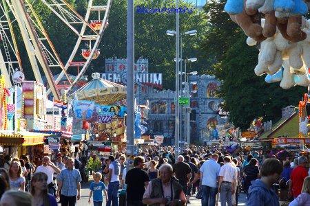 awww.sh_kirmes.de_Foto_albums_Hannover_20Sch_FCtzenfest_202011_20verkleinert_k_IMG_1677.JPG