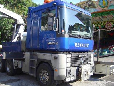 awww.repage8.de_memberdata_zugmaschinen_Renault_MHartmann.JPG