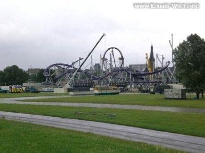 Duesseldorf%20Rheinkirmes%2026_06_2007%20002.jpg